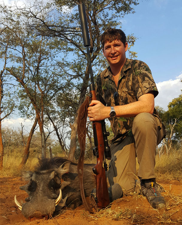 Elroi-Safaris-Rifle-Hunting